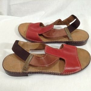 Naturalizer 9.5 M Red Brown T Strap Leather Sandal